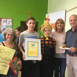 "KLASSE UNTERNEHMEN: Schülerfirma ""Food Bar 4 you"" bekommt Qualitätssiegel verliehen!"